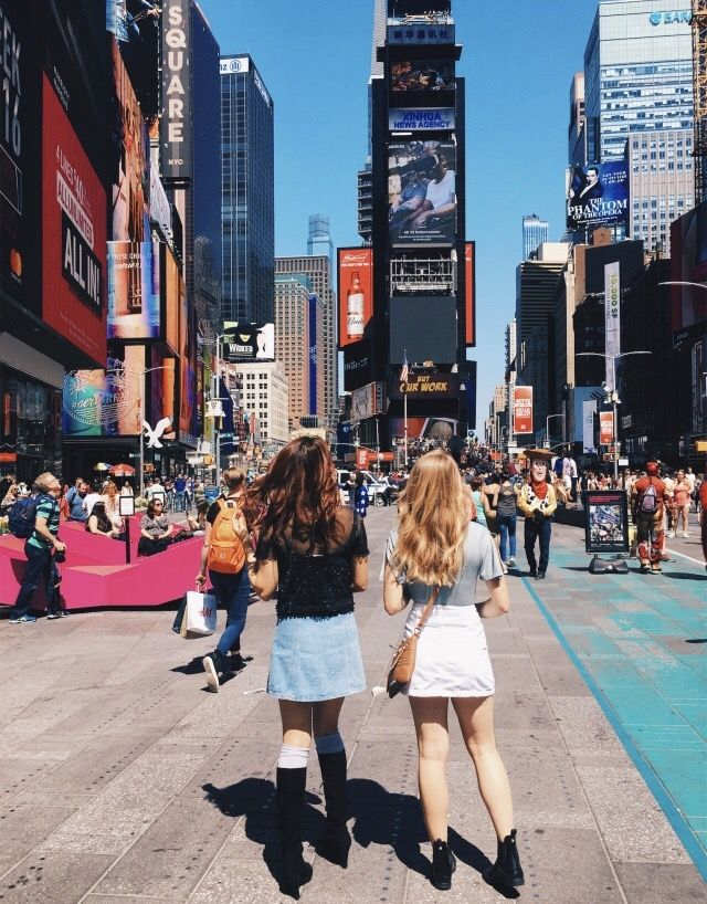 Explore New York with your best friend
