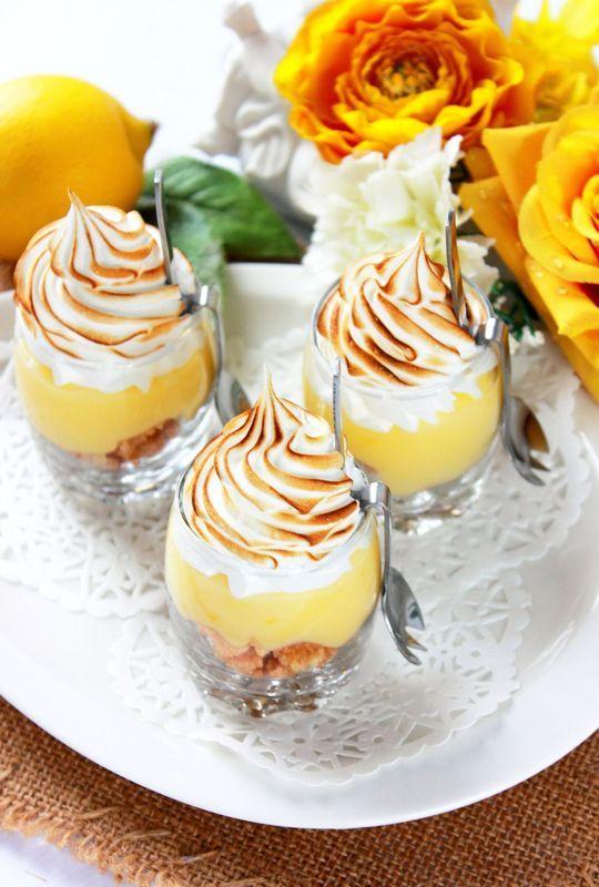 Tarte au citron meringu�e, revisit�e version verrine