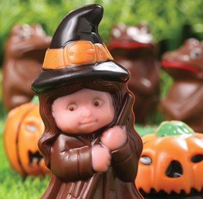 """Nuestro recomendado para que te diviertas como un niño en halloween """"BRUJITA DE CHOCOLATE"""" de la #reposteriaastor   Ponle Astor a tus días   www.elastor.com.co"""