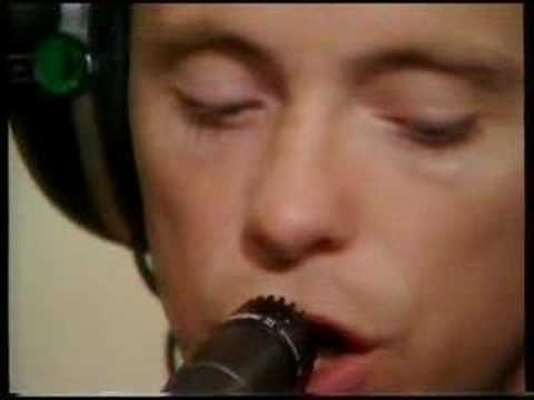 NEW ORDER, TEMPTATION: live on bbc radio 1 studios, 1984.
