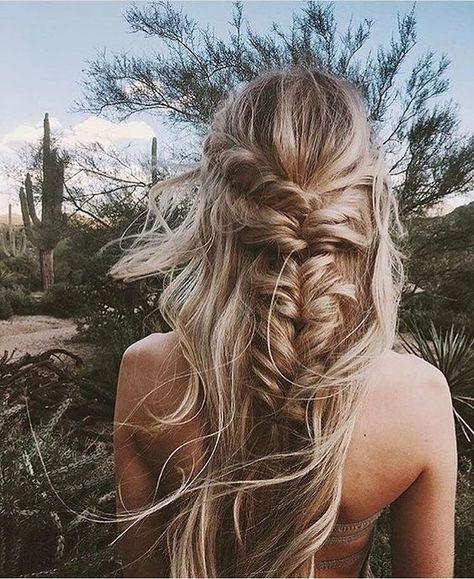 Modern Hairstyle Ideas ~ Messy loose half braid. Lovely blonde highlights. Summer Beach Ideas for chic women