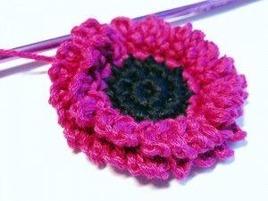 Gerbera crochet center
