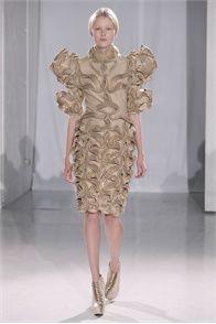 Iris van Herpen - Haute Couture Fall Winter 2011/2012 - Shows - Vogue.it