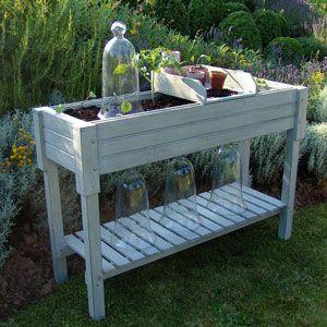 Table potagère en bois gris patiné