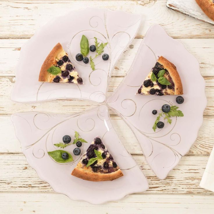 Lovely glass fan-shaped pizza plates with beautiful feminine pattern