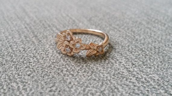Hey, I found this really awesome Etsy listing at https://www.etsy.com/listing/483527645/diamond-and-gold-flower-engagement-ring