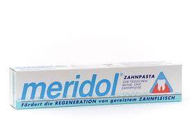 Oft siedeln sich Bakterien am Zahnfleischrand an. Sie sind die Hauptursache für Zahnfleischentzündungen. #Meridol Zahnpasta bekämpft die #Ursache von Zahnfleis...