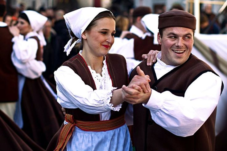Big Picture: Istrian traditional dancers - LikeCroatia
