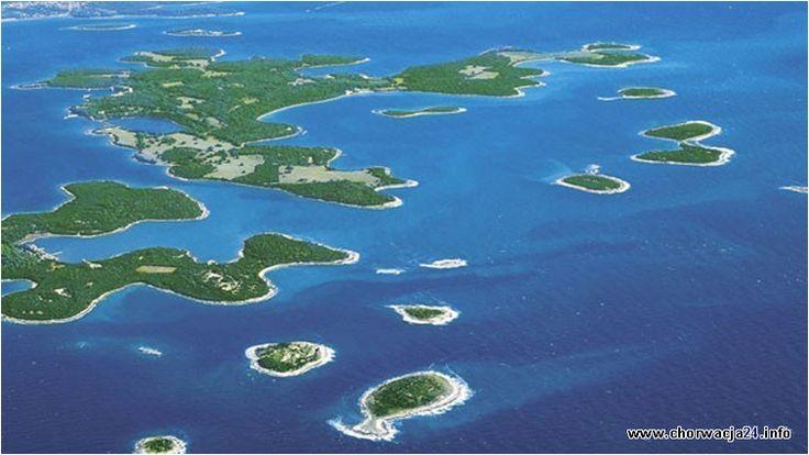 Archipelag Brijuni składa się z 14 wysp, rozpościerający się w kierunku południowo-zachodnim od wybrzeży Istrii.  #brijuni #archipelag #adriatyk #chorwacja