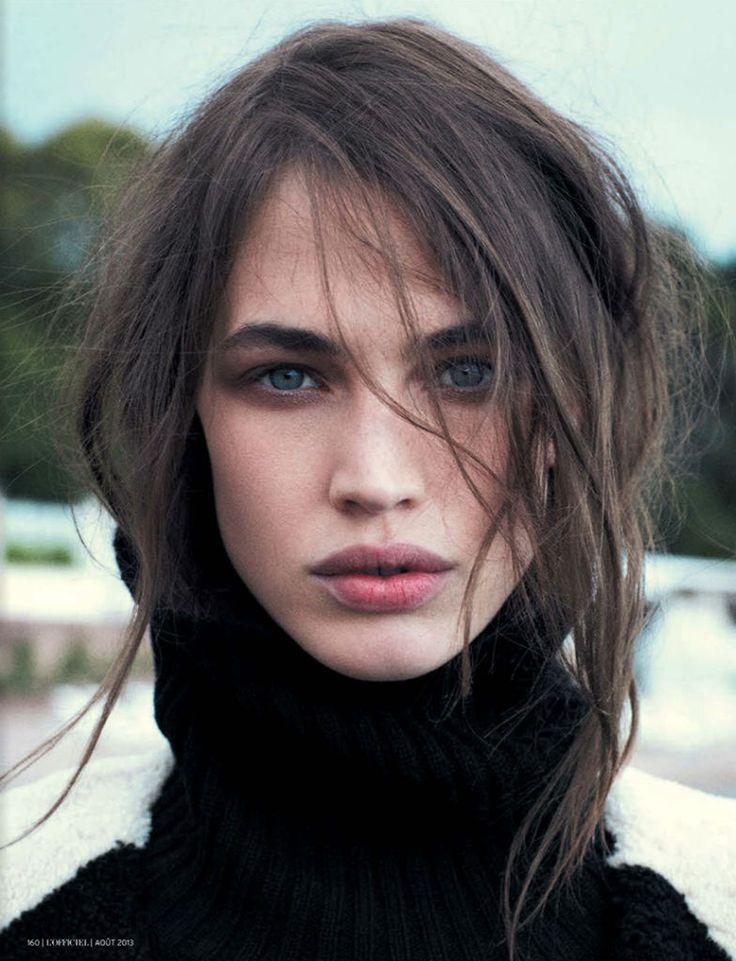 Full brows, full lips