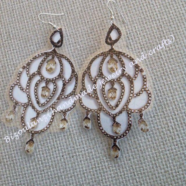 Earrings, cool looking faux...the laminated way!  #earrings #handmadejewelry #handmade #handmadeearrings #laminated #bizoulanz #fauxjewelry #madeingreece #rhinestone #paperjewelry #χειροποίητο #κόσμημα #σκουλαρίκια