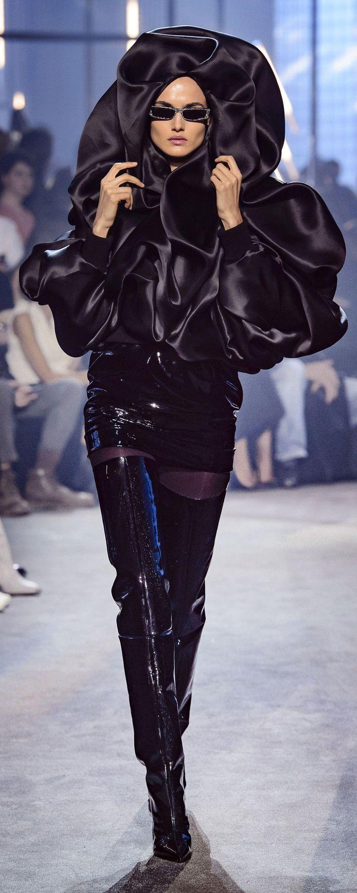 Alexandre Vauthier Spring-summer 2018 - Couture - http://www.orientpalms.com/Alexandre-Vauthier-7031 - ©ImaxTree