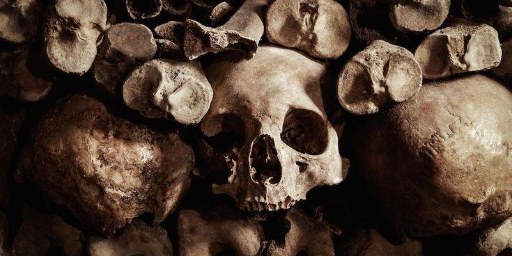 Vinci una notte in uno dei più strabilianti luoghi d'Europa, le Catacombe di Parigi. #NightAt http://abnb.co/dDf76T