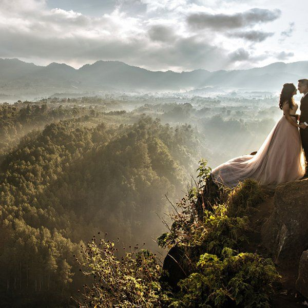 Fearless Photographers, a unique directory of wedding photographers who aren't afraid to push the limit, just released the latest winners of their Fearless Awards, and the results are absolutely breathtaking. Here, take a look at 50 of our favorites.