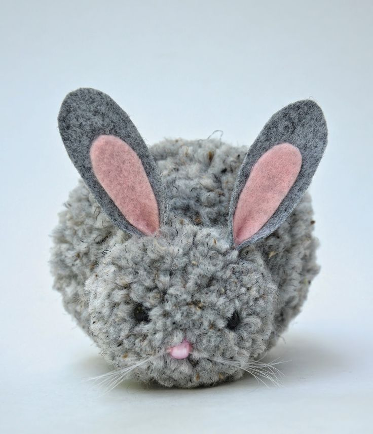 Homemade pom-pom bunnies.  So cute!!