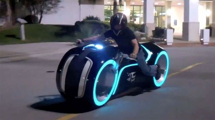 GuyViral The Parker Brothers Bring Tron's Motorcycle To Life With ...