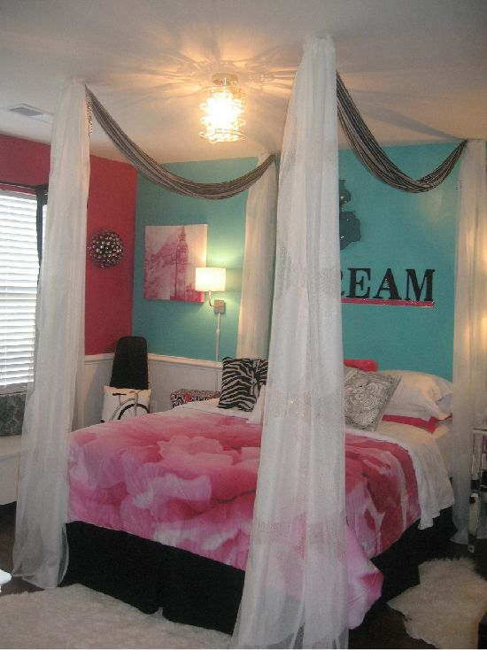 Share photos i did it dramatic bed home bedroom for Dramatic beds