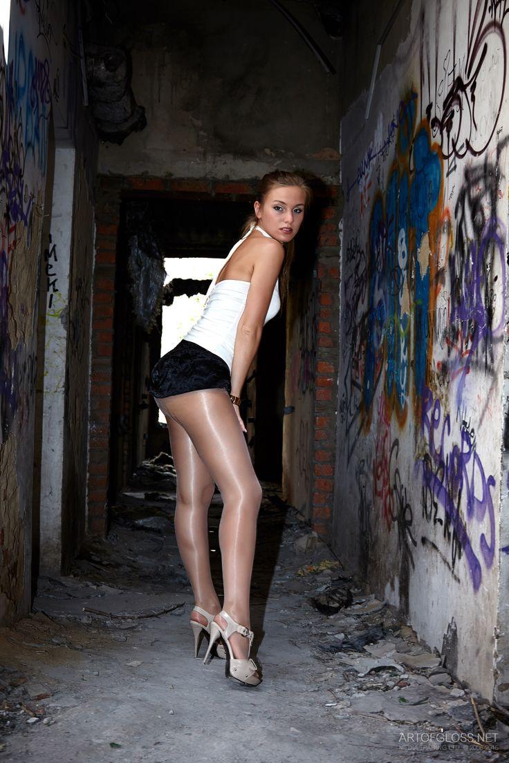 Artofgloss Art of Gloss sexy tights pantyhose heels shoes ...
