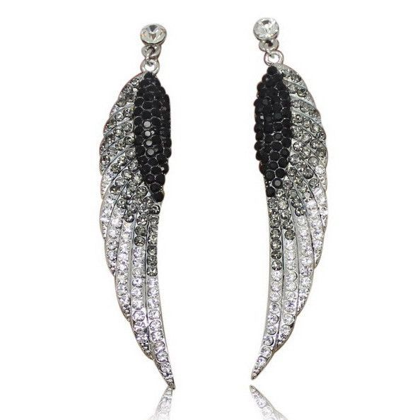 Awesome product! Angel Wings Cryst... you just gotta have it @ http://www.dealsnappr.com/products/angel-wings-crystal-earrings-free-shipping?utm_campaign=social_autopilot&utm_source=pin&utm_medium=pin