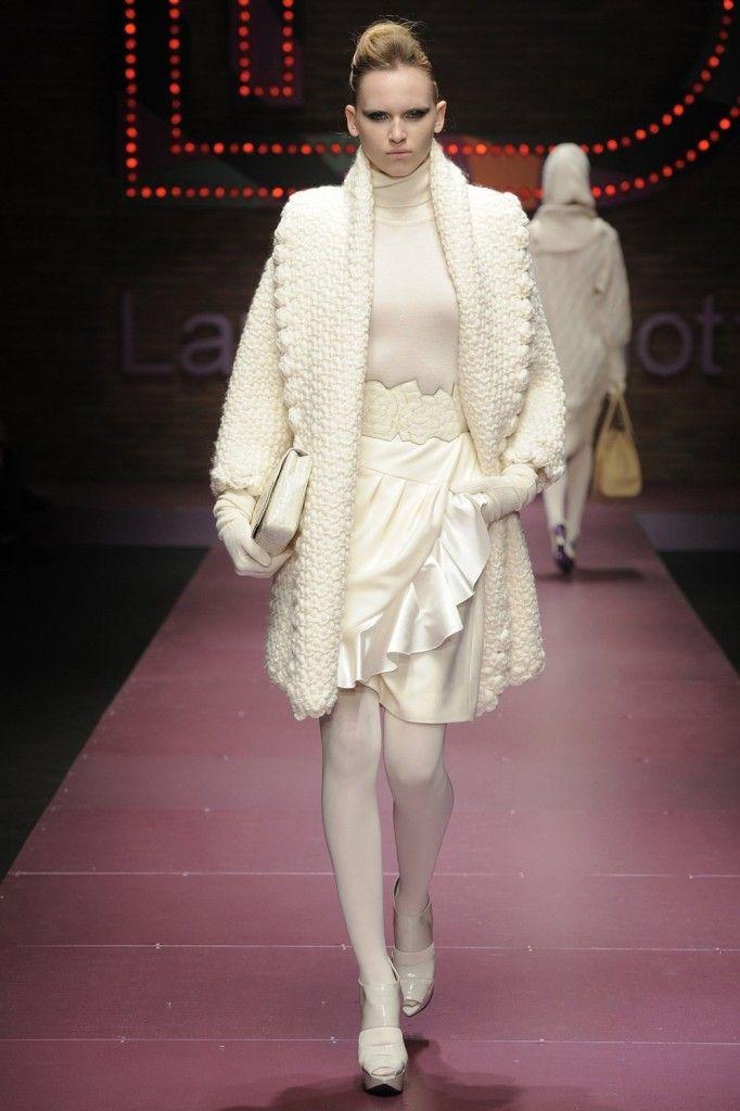 Laura Biagiotti Fall 2009: Fashion & Art | FashionWindows Network