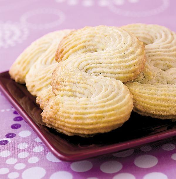 Biscuiţi de casă şpriţaţi - Retete culinare - Romanesti si din Bucataria internationala