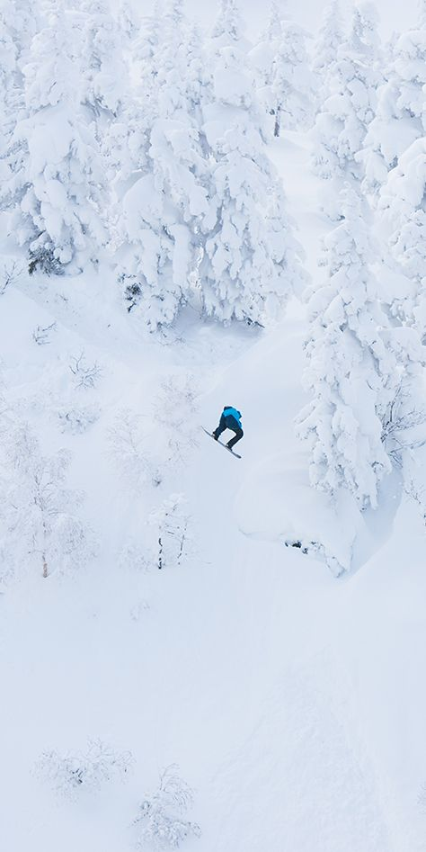 Blue and white, a match made in heaven. Gear up in narvik for backcountry freestyle: http://bit.ly/norronanarvik Photo: Frode Sandbech