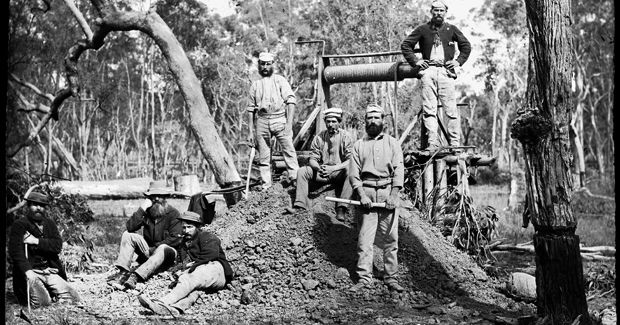 History : Australia: Gold Rushes http://www.australiangeographic.com.au/topics/history-culture/2013/05/australias-gold-rush-in-pictures/