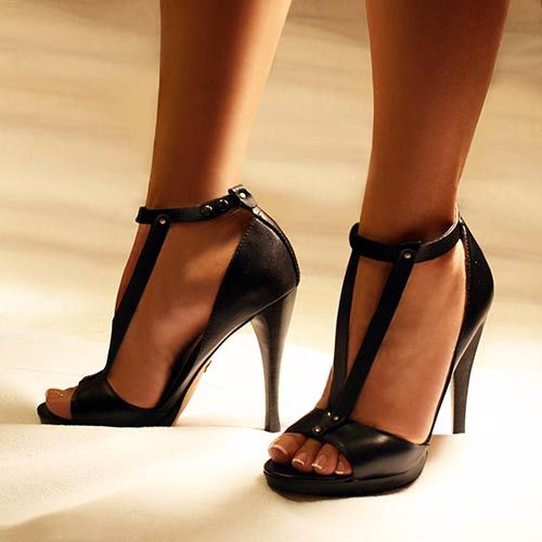 Sandal in Black Leather: Shoes Whore, Sexy Heels, 33 Photos, Summer Shoes, Heels Hump, High Heels, Peeps Toe Heels, Heels Reports, Shoes Style