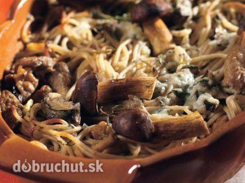 Zapekané špagety s hubami a so syrom