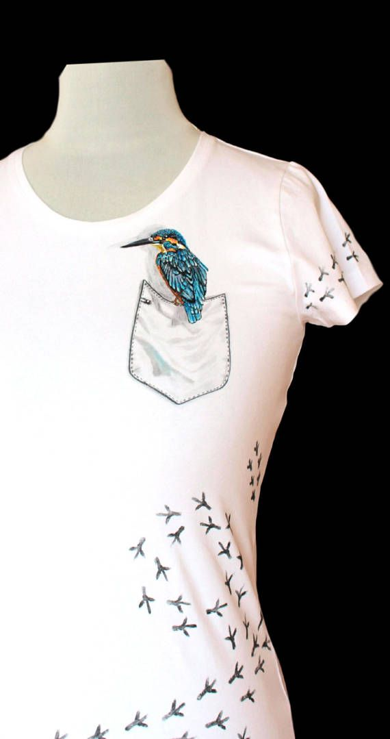Hand painted T-shirtbirdpainting on clothespainting