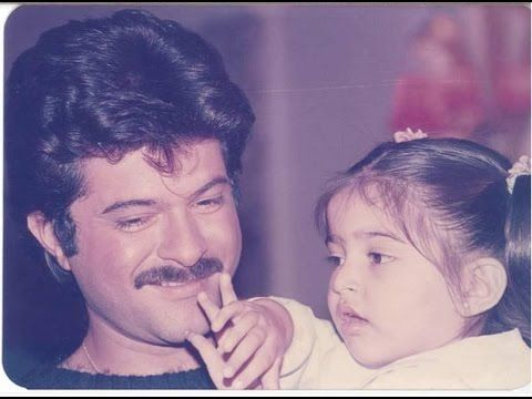 Anil kapoor with family - Daughter sonam, wife, Mother, father, Brother