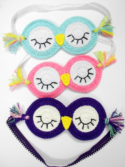 Firefly Crochet by Chieu: Sleepy Owl sleeping mask - Free Pattern [I think this is just a modification of Repeat Crafter Me's Crochet Sleepy Owl Mask.]