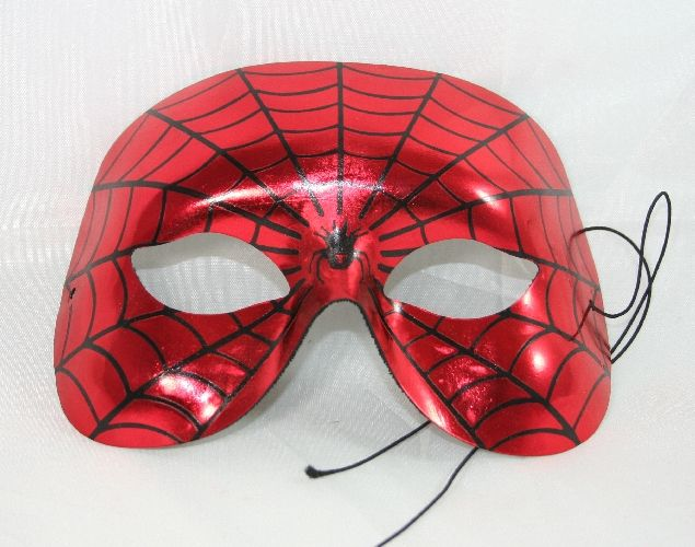 Maschera viso Spiderman rigida, con ragnatela e ragno decorati. Accessorio per Costume travestimento Uomo ragno a Carnevale o Festa a Tema. By C&C Creations Store
