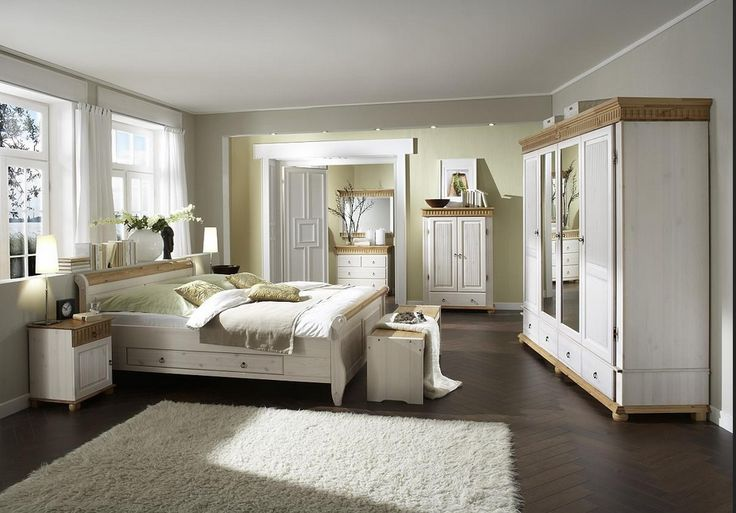 Spiegel-im-schlafzimmer-Bett-mit-Schrank-reflektieren - feng shui spiegel im schlafzimmer
