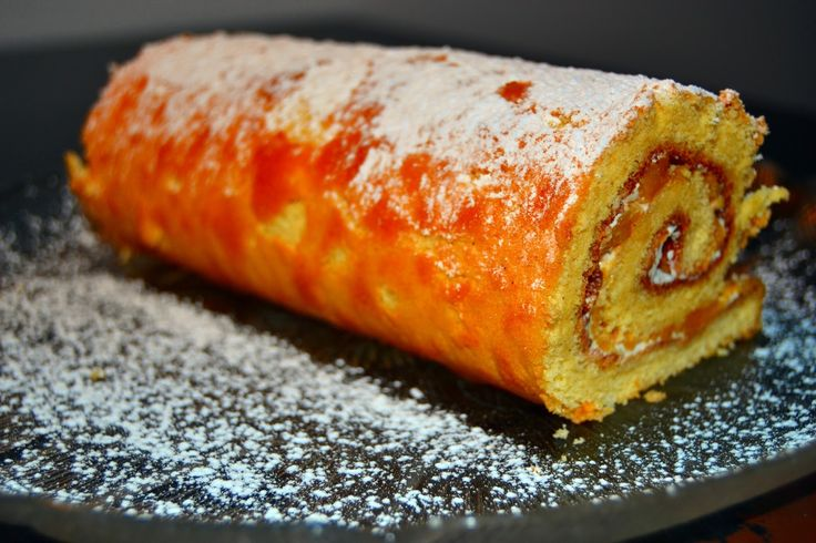 Torta de Pessego / Peach Swiss Roll
