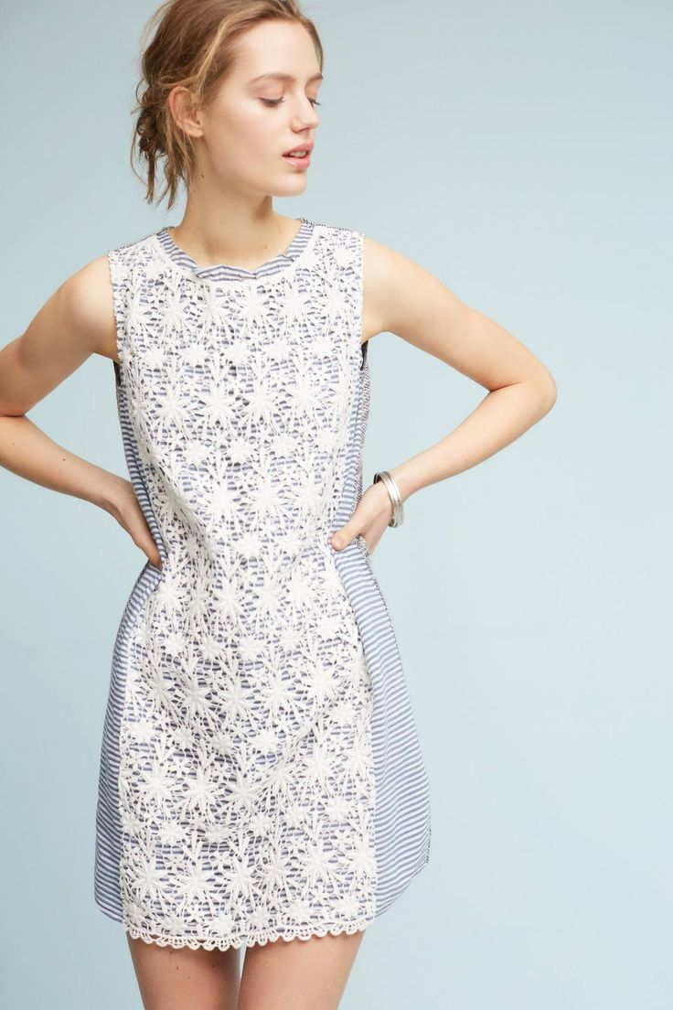 White and blue dress - lace meets stripes?!