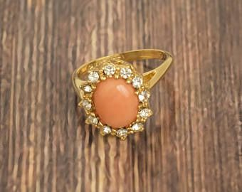 Vintage peach cabochon ring