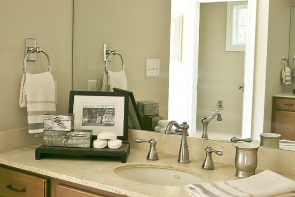 Tips on Staging a Bathroom to Sell