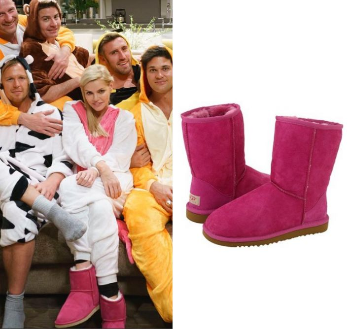 by Kirsty0 Comments Sophie Monk wears these pink short ugg boots in this episode of The Bachelorette Australia on Wednesday the 11th of October 2017. They are the Ugg Australia Classic Short.