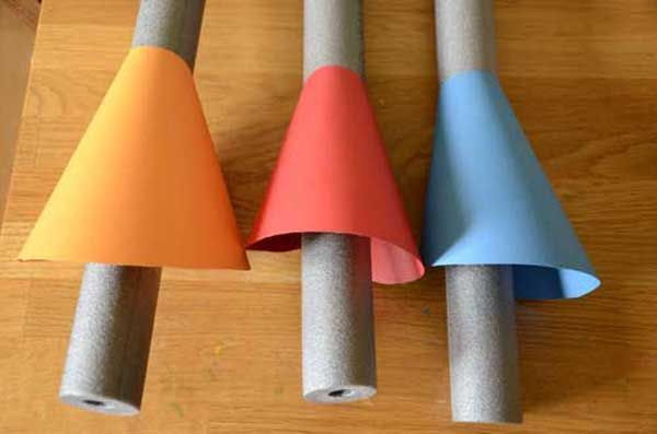 Make your own jousting lance for kids with this easy tutorial.