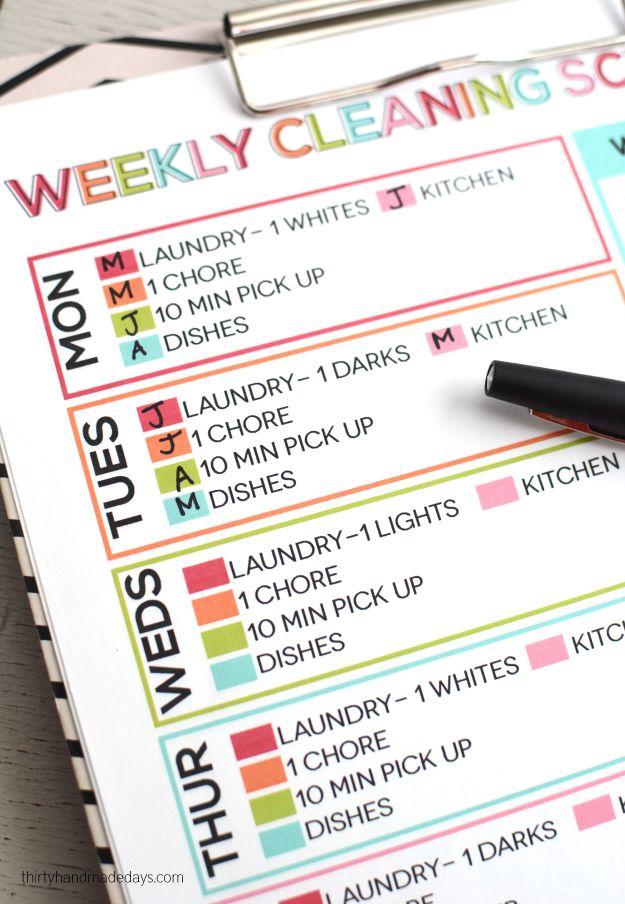 Una lista sencilla de mantener su hogar limpio: Horario semanal de limpieza.  Lavandería  1 tarea  10 minutos para recoger platos cocina