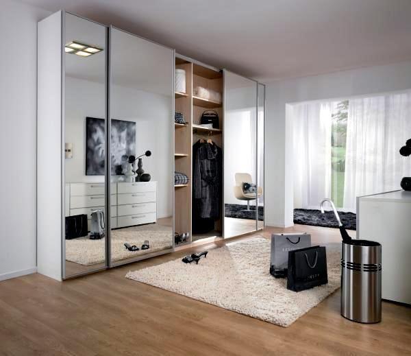 Mirror In Front Of Bedroom Door: 25+ Best Ideas About Wardrobe With Mirror On Pinterest