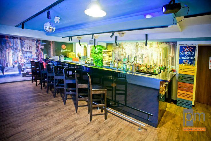 Lada barowa czarna opis na http://www.projektmebel.pl/meble-do-restauracji