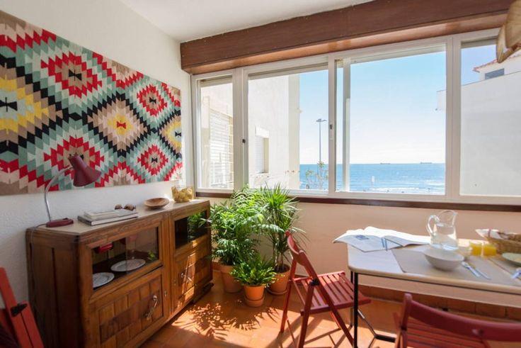 Veja este anúncio incrível na Airbnb: Casa na Praia, Sea view, Parede, Cascais - Apartamentos para Alugar em Lisboa
