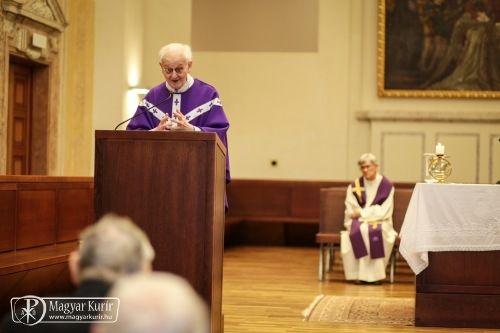 Jelenits István a keresztények szerepéről világunkban | Magyar Kurír - katolikus hírportál