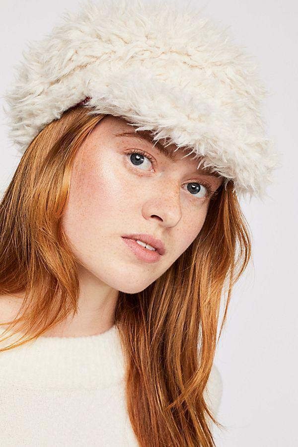 2b8e82822b2e11 Lulu Faux Fur Cap in 2019 | // H A T . F E T I S H // | Faux fur ...