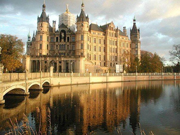 Шверинский замок(Schwerin Castle)