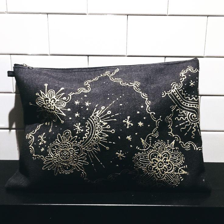 clutch bag   By Josun