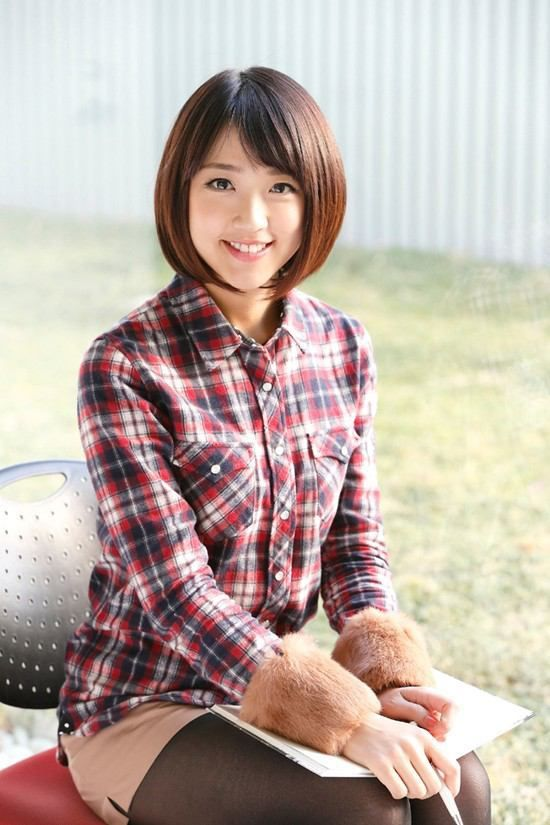 チェックのシャツを着ている竹内由恵.jpeg (550×825)