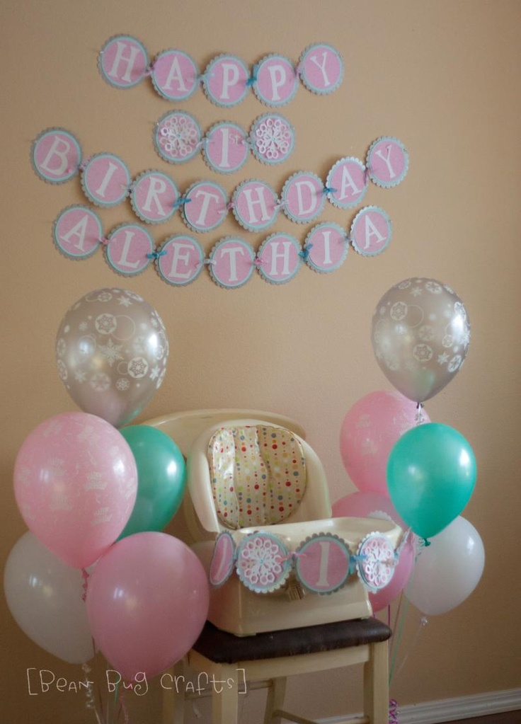 Google Image Result for http://uploads.tipjunkie.com/wp-content/uploads/2012/08/tip-winter-one-derland-party-ideas-for-a-one-year-old-birthday-image-1.jpg